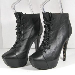 BETSEY JOHNSON Black Leather Boots Ankle Booties 9